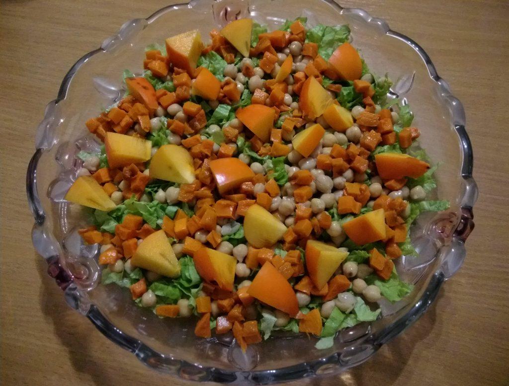Фото рецепта - Салат из запечённой тыквы, с апельсинами и фетой - шаг 5