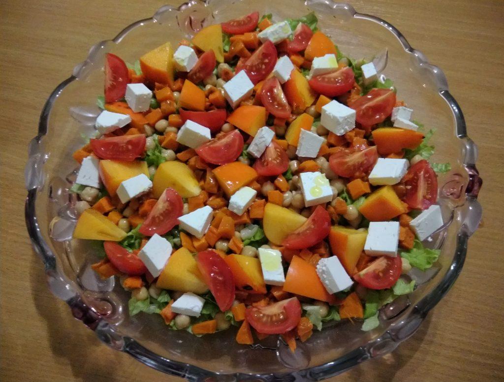 Фото рецепта - Салат из запечённой тыквы, с апельсинами и фетой - шаг 7