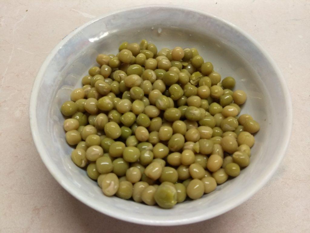 Фото рецепта - Постный суп с макаронами и консервированным горошком - шаг 4
