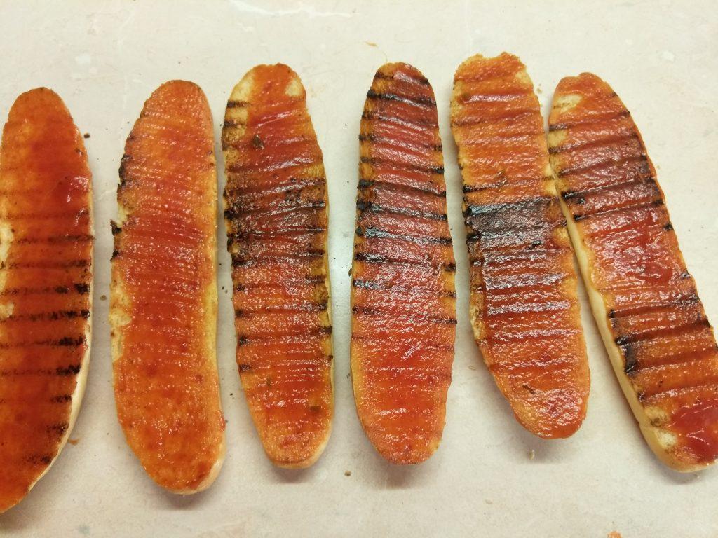 Фото рецепта - Сэндвичи с салями и омлетом - шаг 3