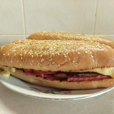 Фото рецепта - Сэндвичи с салями и омлетом - шаг 8
