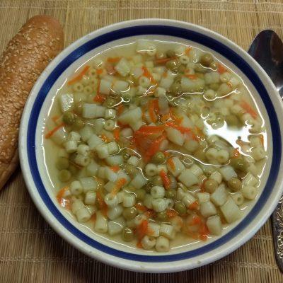 Постный суп с макаронами и консервированным горошком - рецепт с фото
