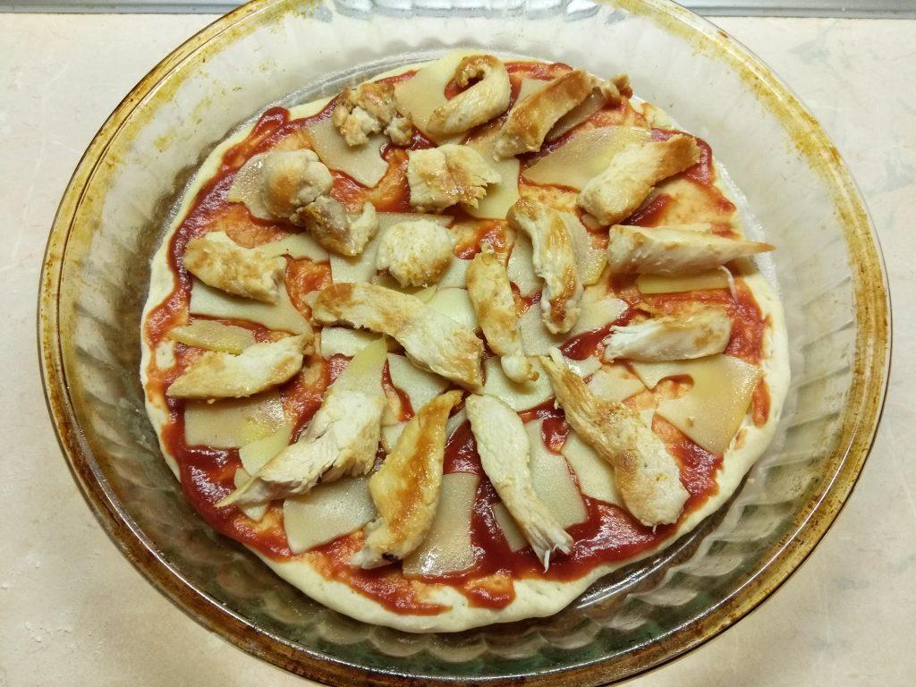 Фото рецепта - Пицца с курицей и тыквой - шаг 5