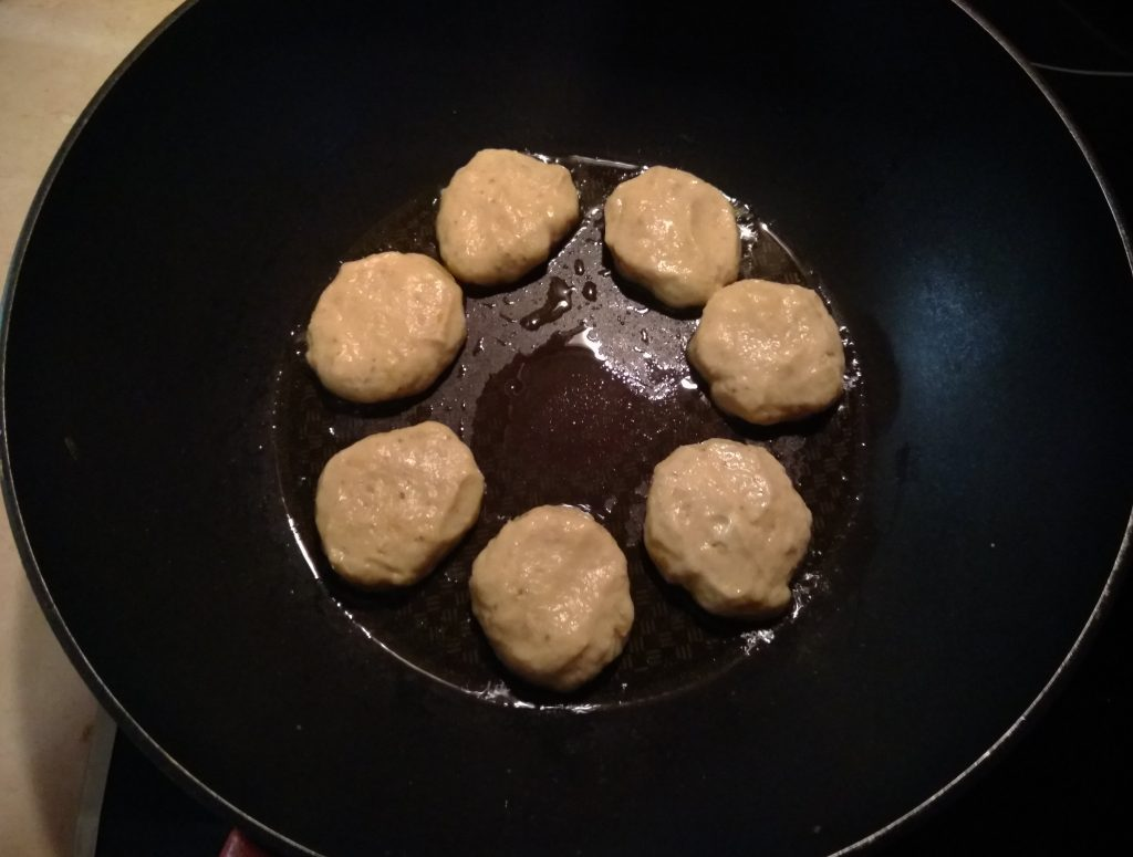 Фото рецепта - Котлеты из чечевицы постные - шаг 4