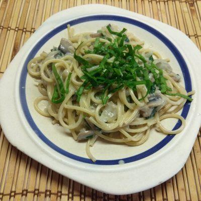 Спагетти в сливочном соусе с шампиньонами - рецепт с фото