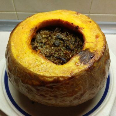 Тыква, фаршированная гречкой и шампиньонами - рецепт с фото