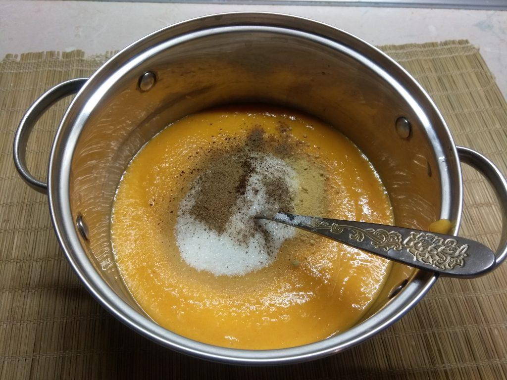 Фото рецепта - Тыквенные пряные оладьи - шаг 3