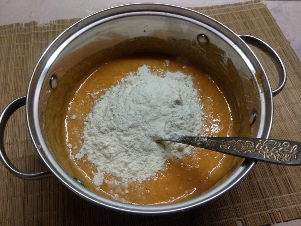 Фото рецепта - Тыквенные пряные оладьи - шаг 4