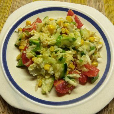 Салат овощной с кукурузой, авокадо и пекинской капустой - рецепт с фото