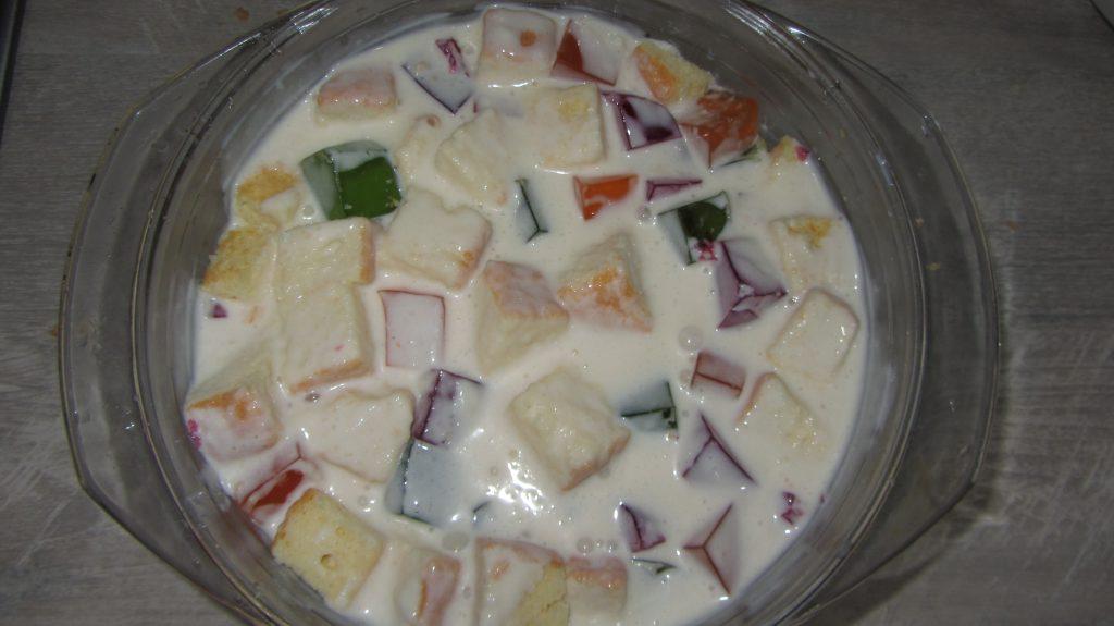 """Фото рецепта - Желейный торт """"Битое стекло"""" из бисквита - шаг 6"""