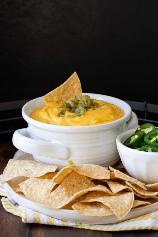 Фото рецепта - Овощной острый соус  с орешками и чесноком - шаг 5