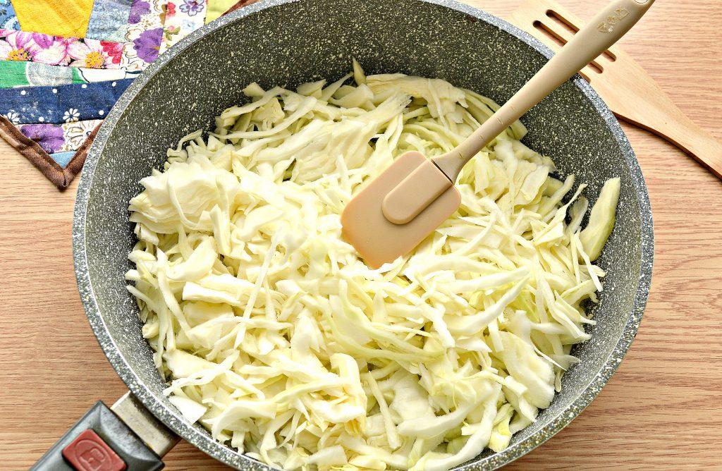Фото рецепта - Тушёная капуста с колбасой - шаг 1