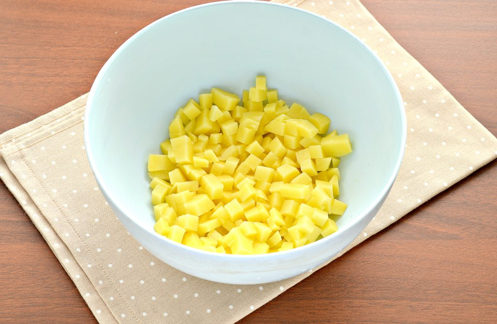 Фото рецепта - Постные манты с картошкой и кабачком - шаг 1