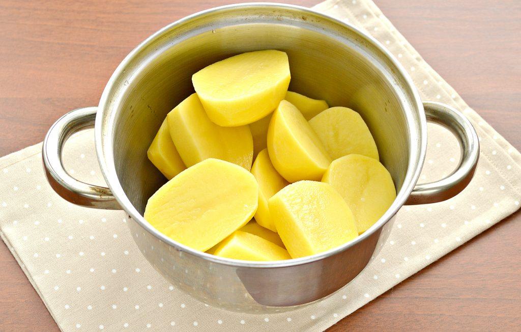 Фото рецепта - Картофельное пюре с чесноком в блендере - шаг 1