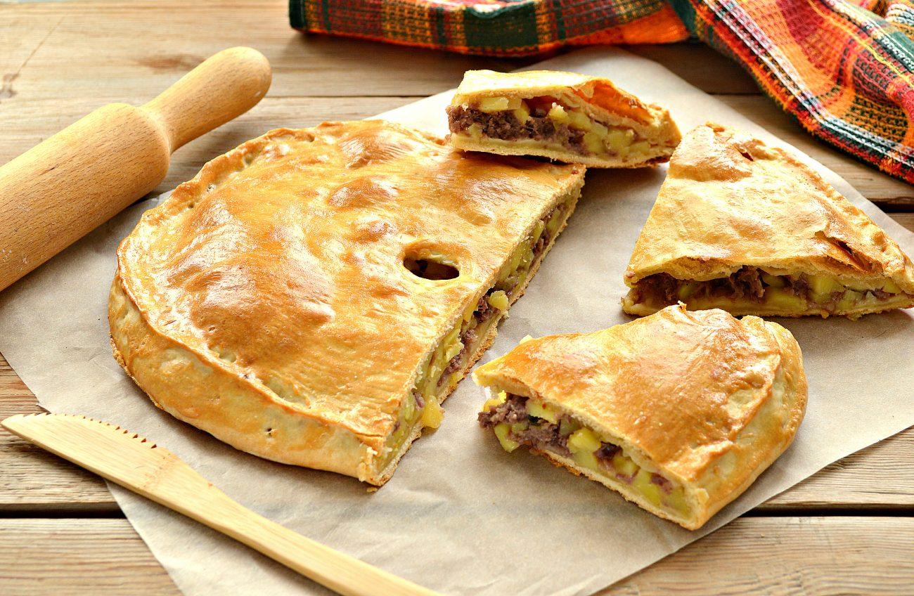 Пирог из песочного теста с картошкой и говядиной