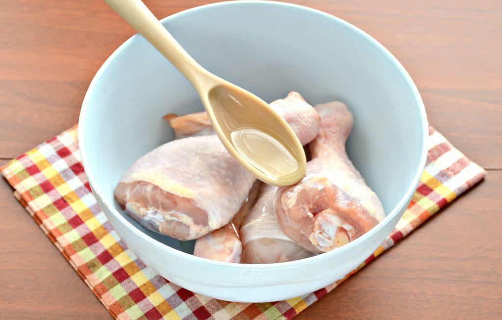 Фото рецепта - Шашлык из куриных голеней в духовке - шаг 2