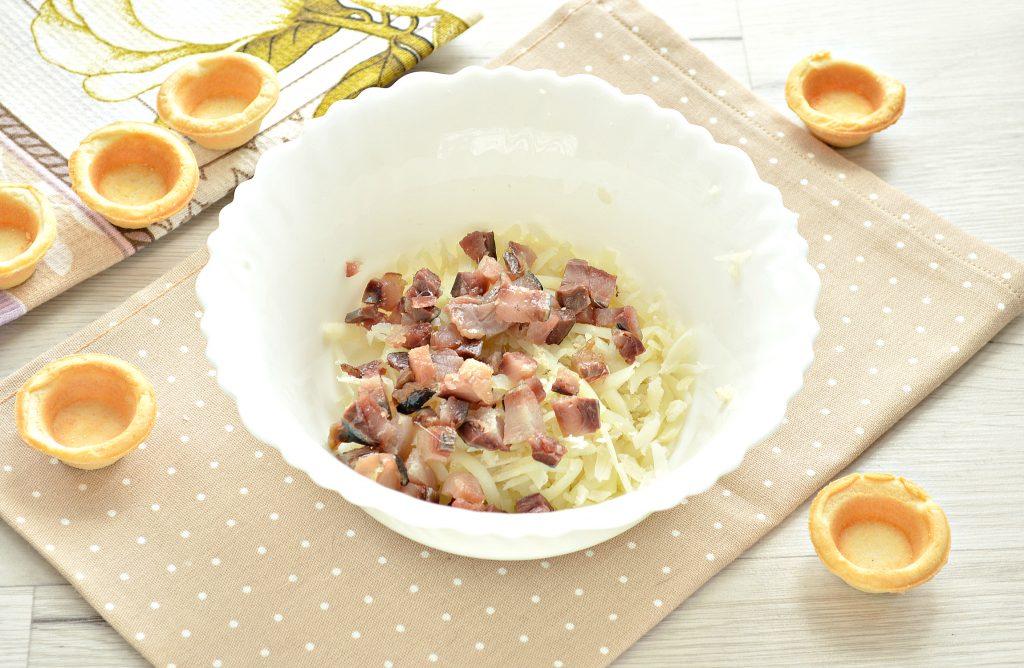 Фото рецепта - Тарталетки с соленой сельдью и картофелем - шаг 2