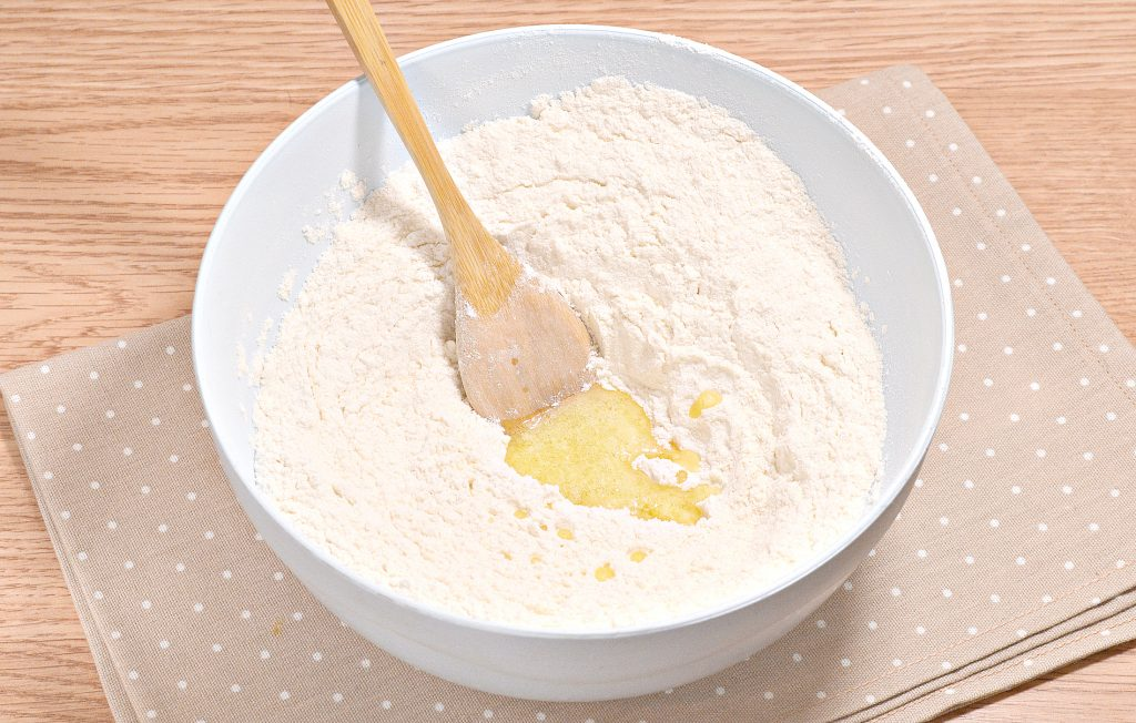 Фото рецепта - Нежное тесто для пельменей со сливочным маслом - шаг 3