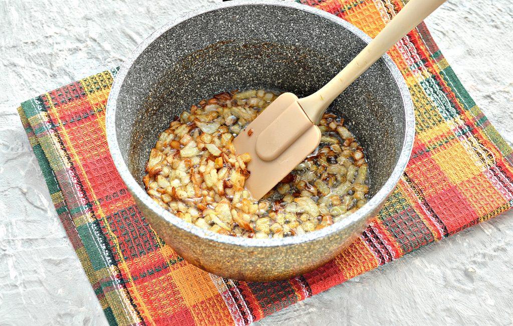 Фото рецепта - Начинка для пирожков из картофеля и обжаренного лука - шаг 3