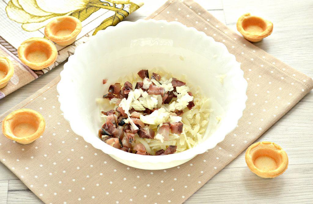 Фото рецепта - Тарталетки с соленой сельдью и картофелем - шаг 3