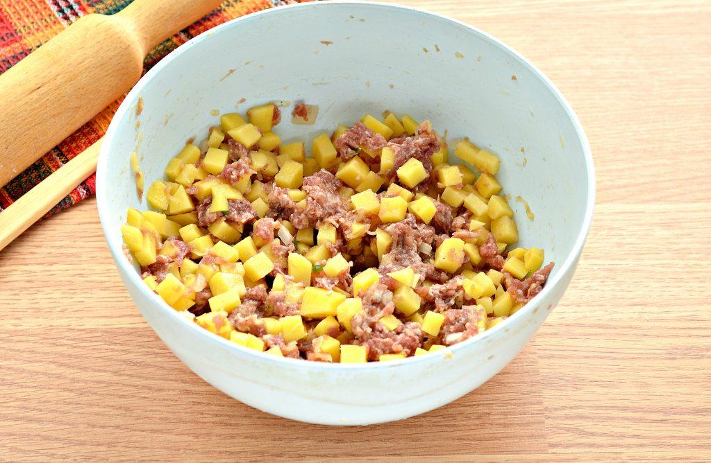 Фото рецепта - Пирог из песочного теста с картошкой и говядиной - шаг 4