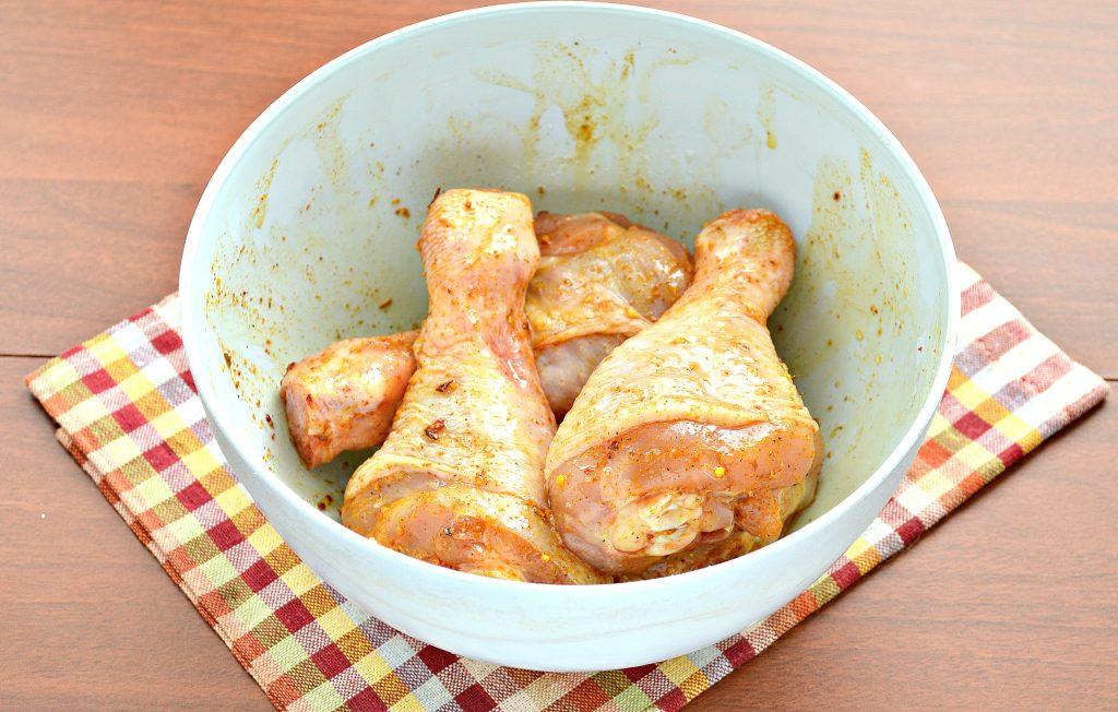 Фото рецепта - Шашлык из куриных голеней в духовке - шаг 4