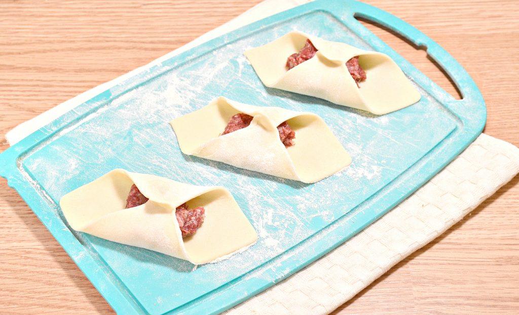 Фото рецепта - Домашние манты с говядиной - шаг 4