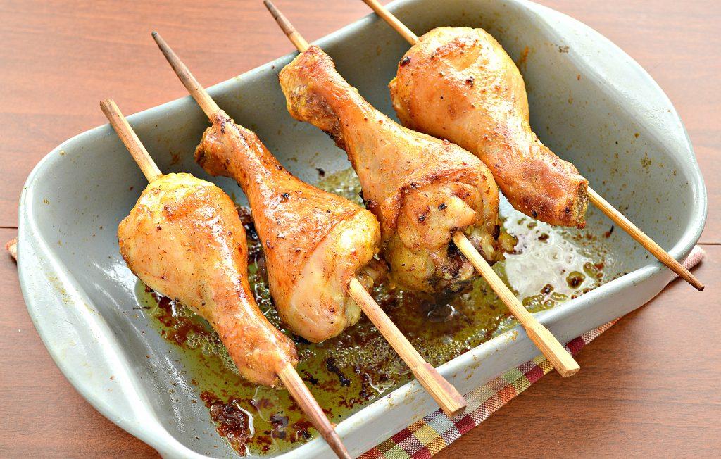 Фото рецепта - Шашлык из куриных голеней в духовке - шаг 6