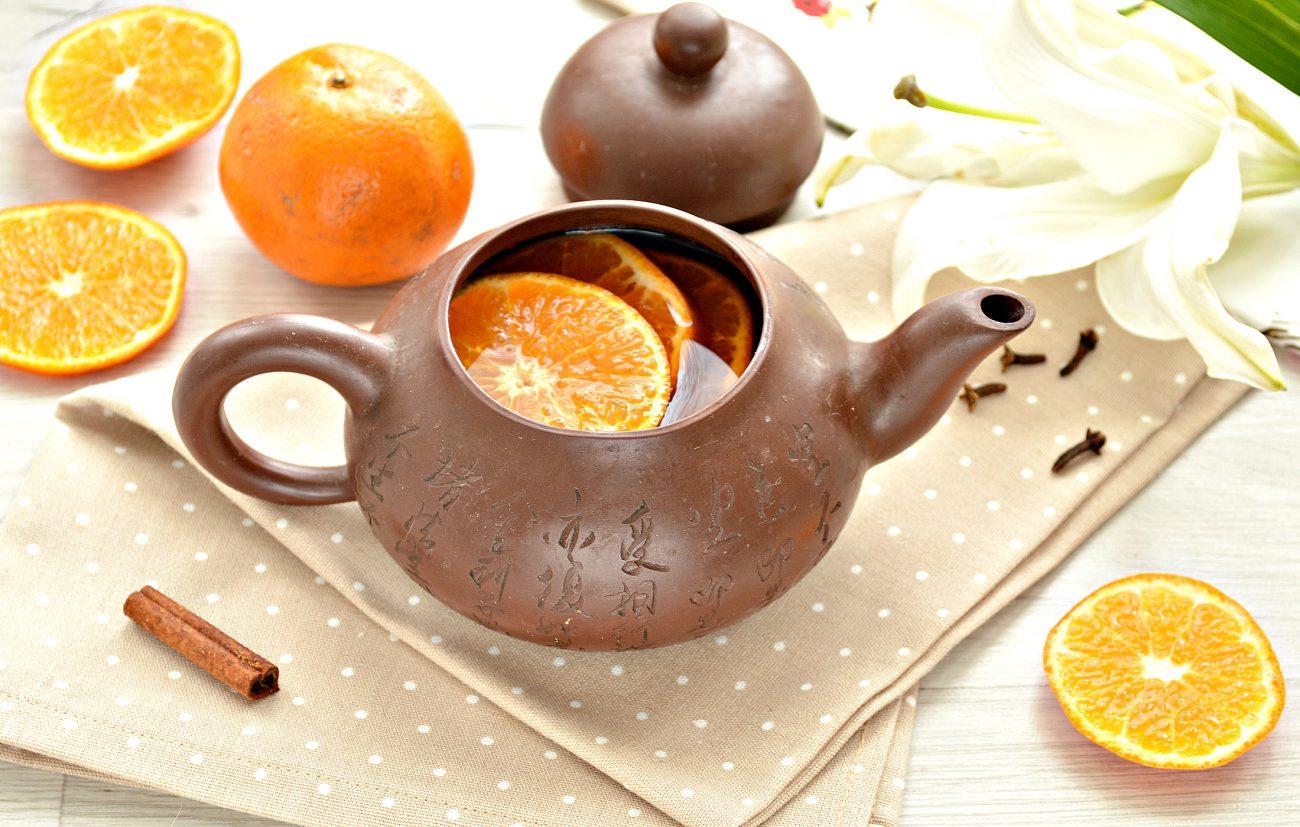 Мандариновый напиток с гвоздикой и корицей