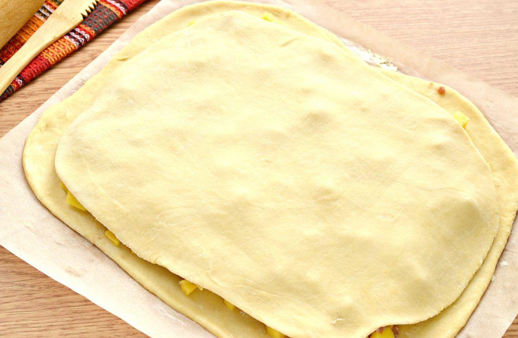 Фото рецепта - Пирог из песочного теста с картошкой и говядиной - шаг 7
