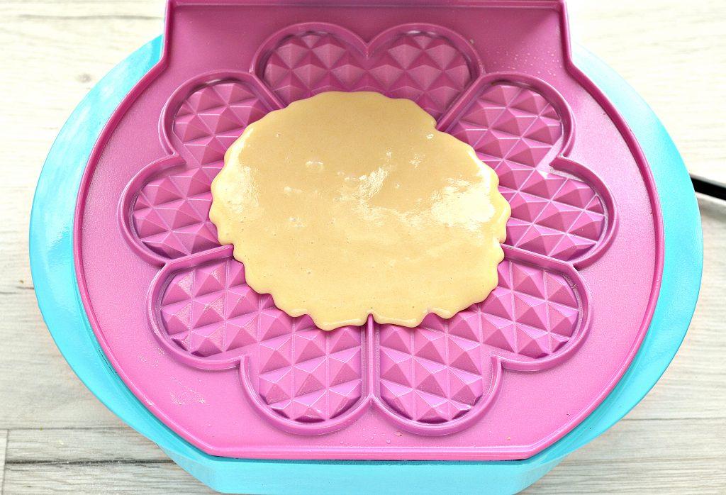 Фото рецепта - Домашние вафли на молоке - шаг 8