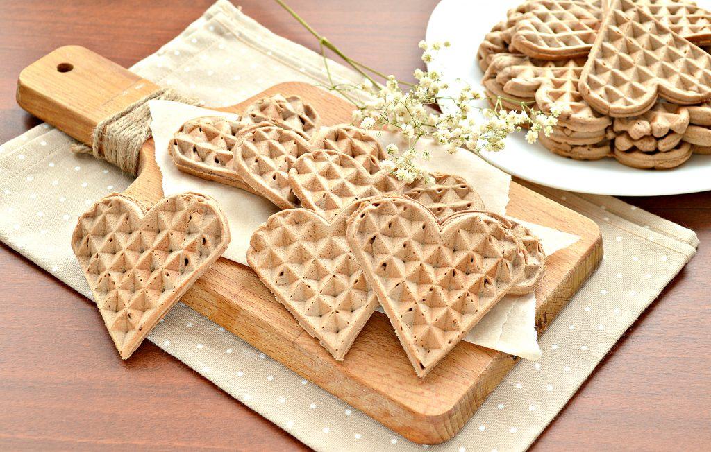 Фото рецепта - Домашние вафли на сливочном масле (с какао-порошком) - шаг 8
