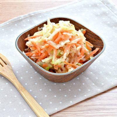 Витаминный салат с редькой и яблоком - рецепт с фото