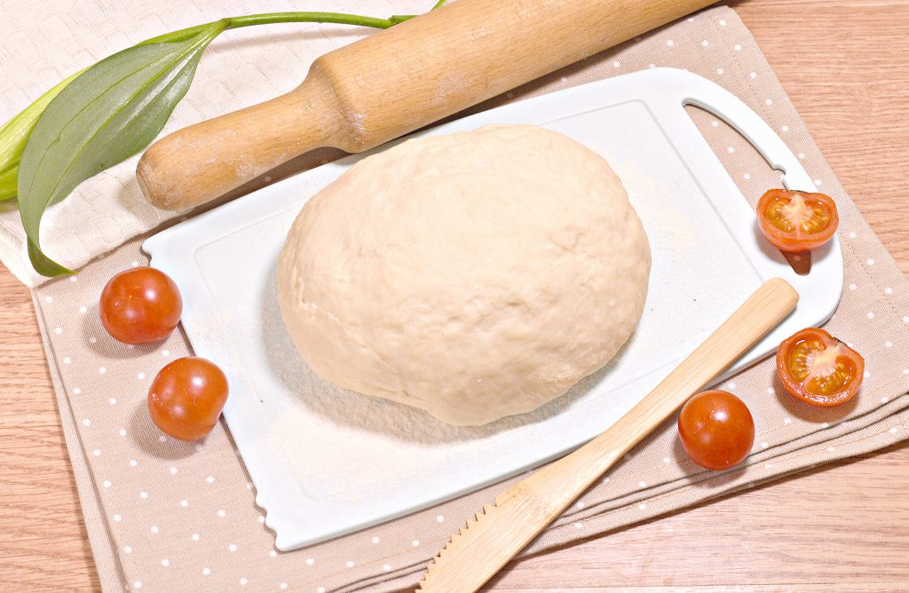Фото рецепта - Нежное тесто для пельменей со сливочным маслом - шаг 9