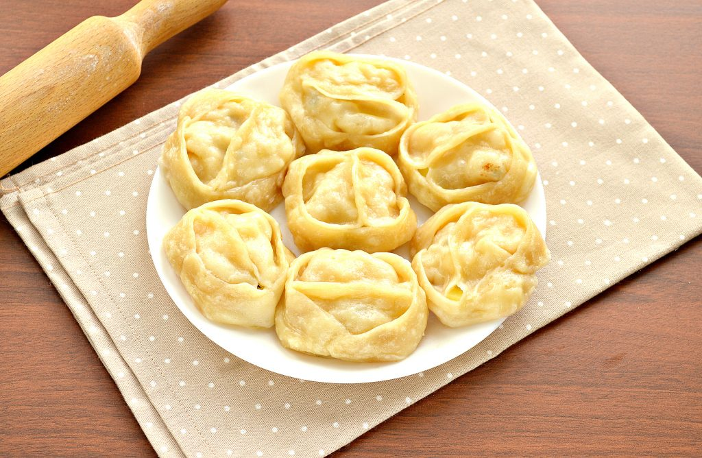Фото рецепта - Постные манты с картошкой и кабачком - шаг 9