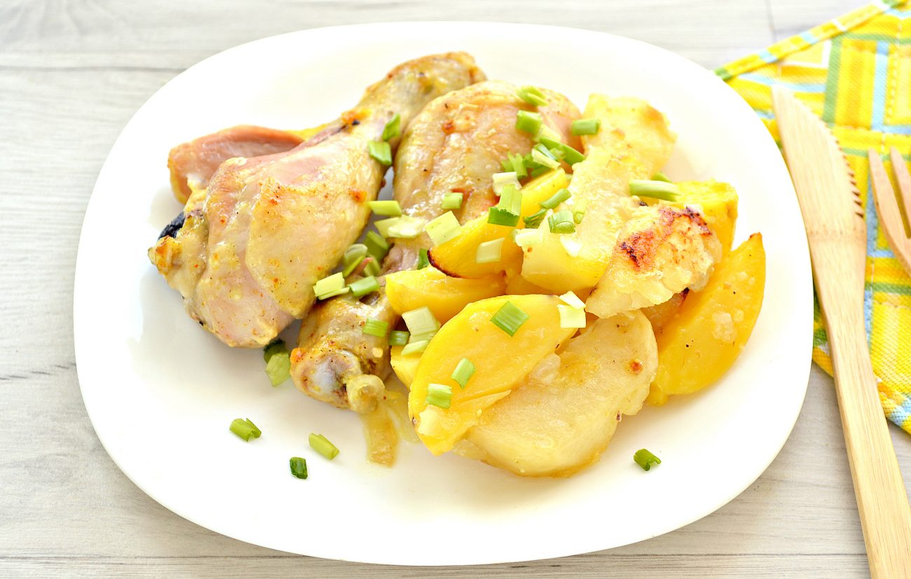 Тушеные куриные ножки с картофелем в духовке