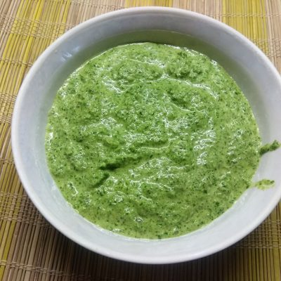 Сметанный соус с петрушкой и чесноком - рецепт с фото