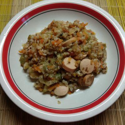 Гречневая каша с кабачками и сосисками - рецепт с фото