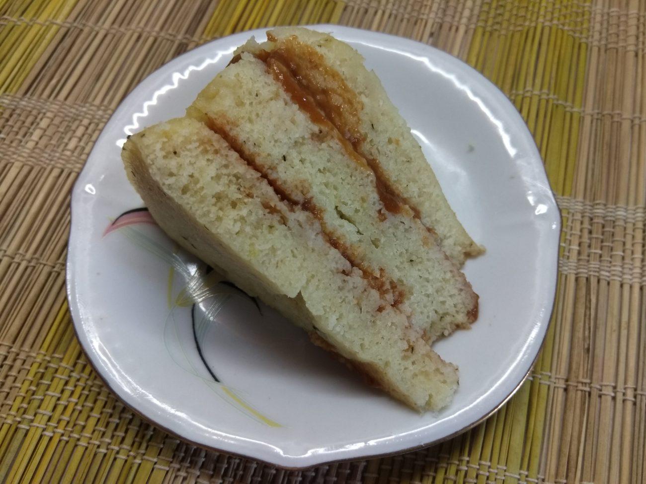 Быстрый пирог на кефире и манке за 10 минут