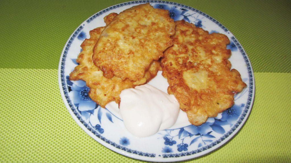 Фото рецепта - Оладьи из рубленной капусты (на молоке) - шаг 6