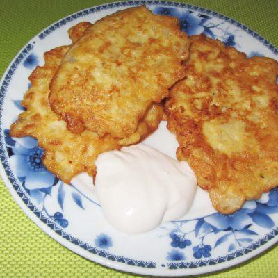 Оладьи из рубленной капусты (на молоке) - рецепт с фото