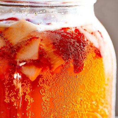 Клубничный чайный напиток - рецепт с фото