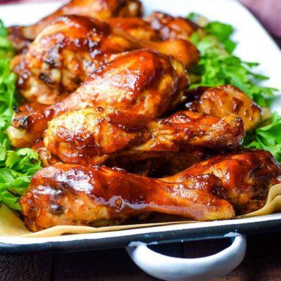 Куриные голени, запеченные в соусе барбекю с медом - рецепт с фото