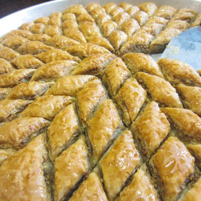 Пахлава с орехами (из готового теста) - рецепт с фото
