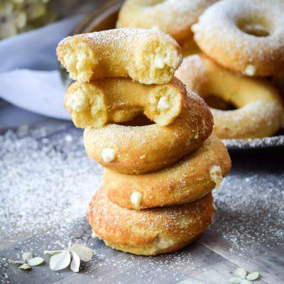 Пончики с медовым кремом - рецепт с фото