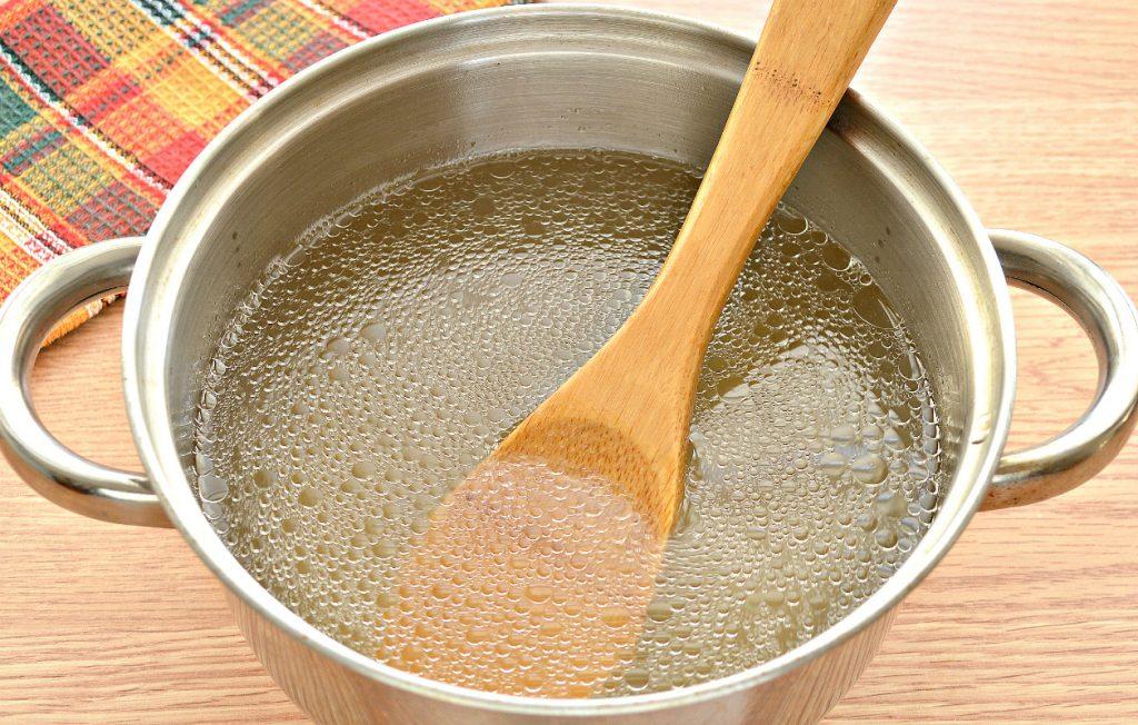 Фото рецепта - Домашние щи со свининой и грибами - шаг 1