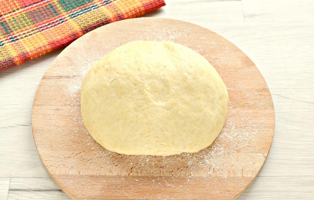 Фото рецепта - Вкусный дрожжевой пирог с капустой в духовке - шаг 1