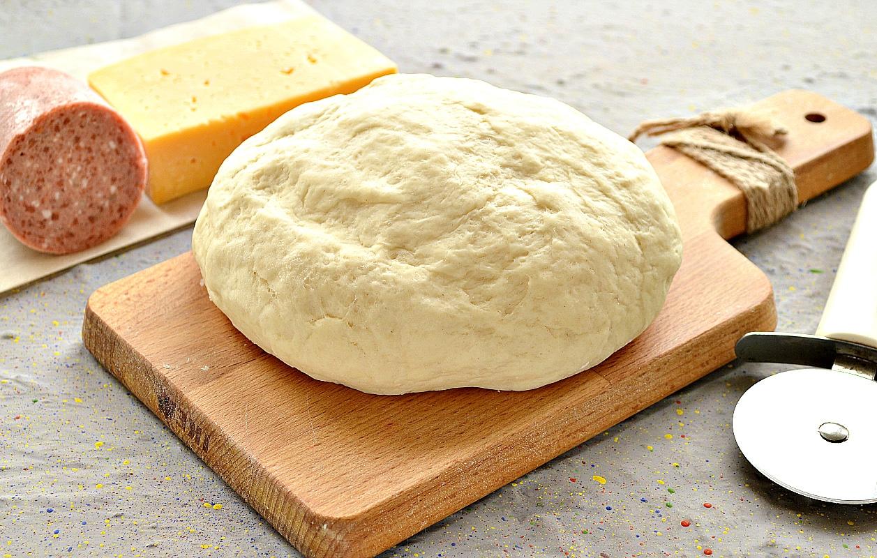 Дрожжевое тесто для пиццы на молоке