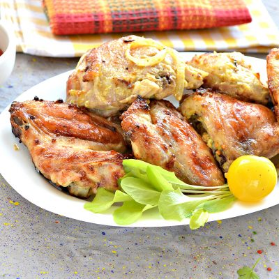 Шашлык из курицы с чесноком и луком в духовке - рецепт с фото