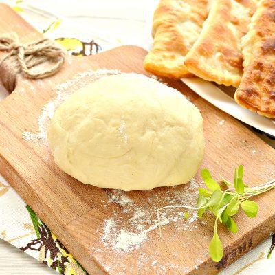 Тесто для чебуреков на сметане - рецепт с фото